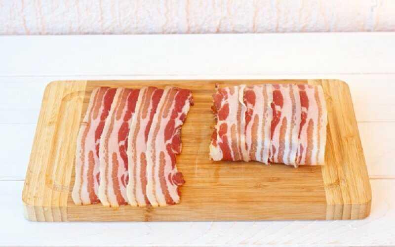 Нарезанная свинина для бекона