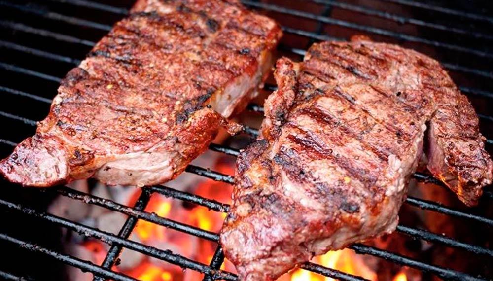 Как приготовить свиную корейку на гриле