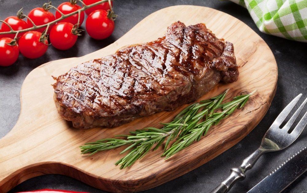 Готовый говяжий стейк