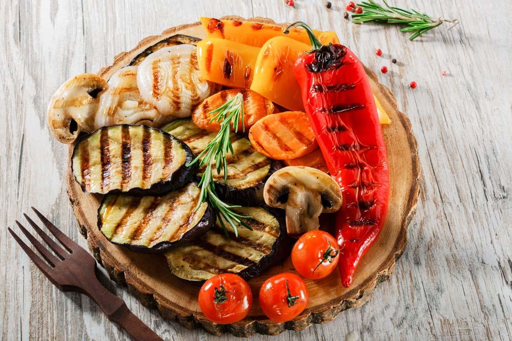 Овощи на сковороде гриль