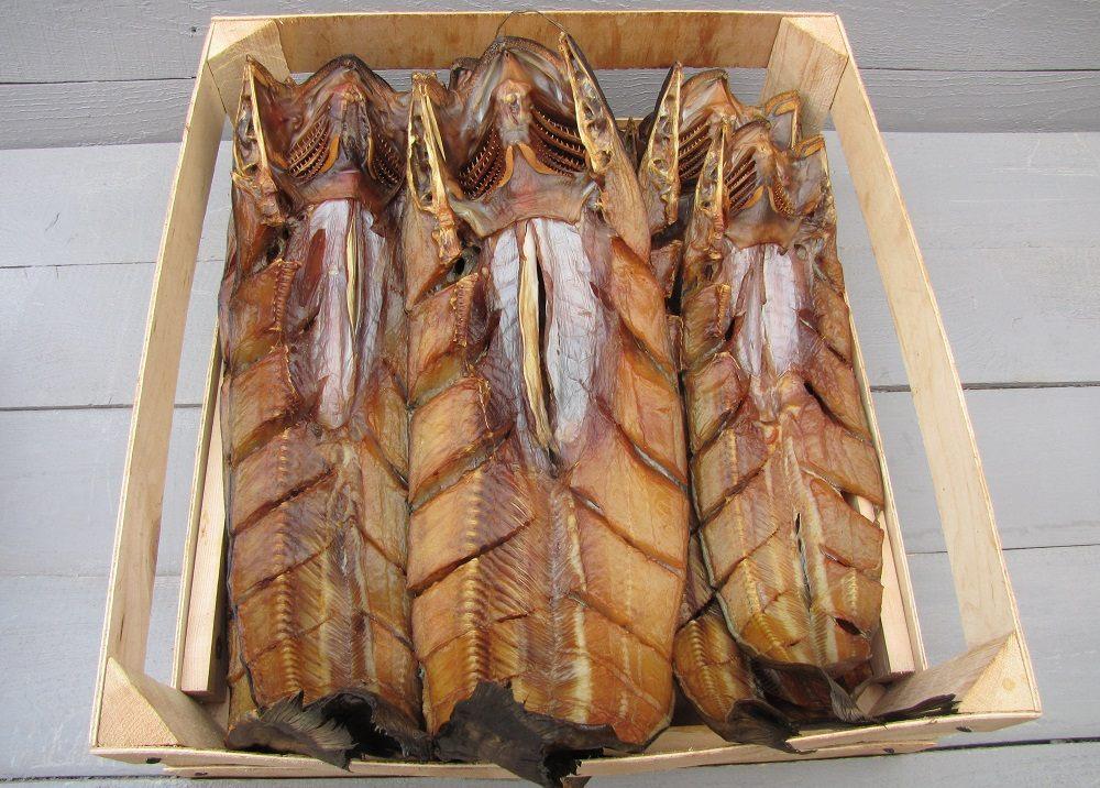 Копчёная рыба в ящике