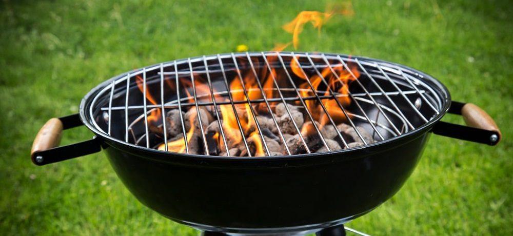 Огонь в барбекюшнице