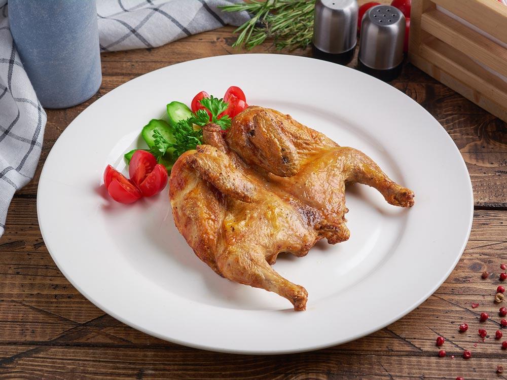 Приготовленный цыпленок