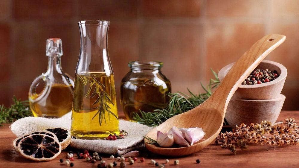 Растительное масло и специи