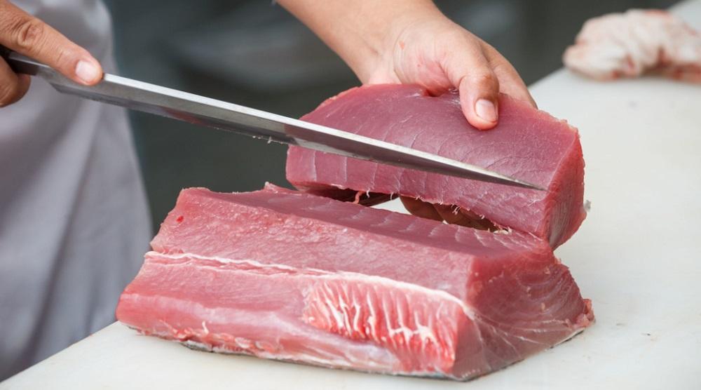 Разделка тушки тунца