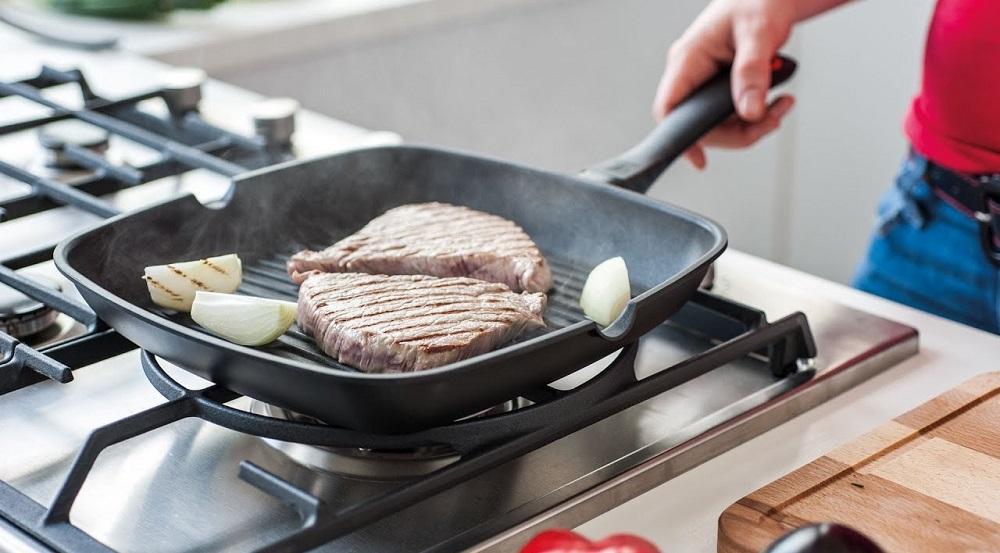 Сковорода-гриль на газовой плите