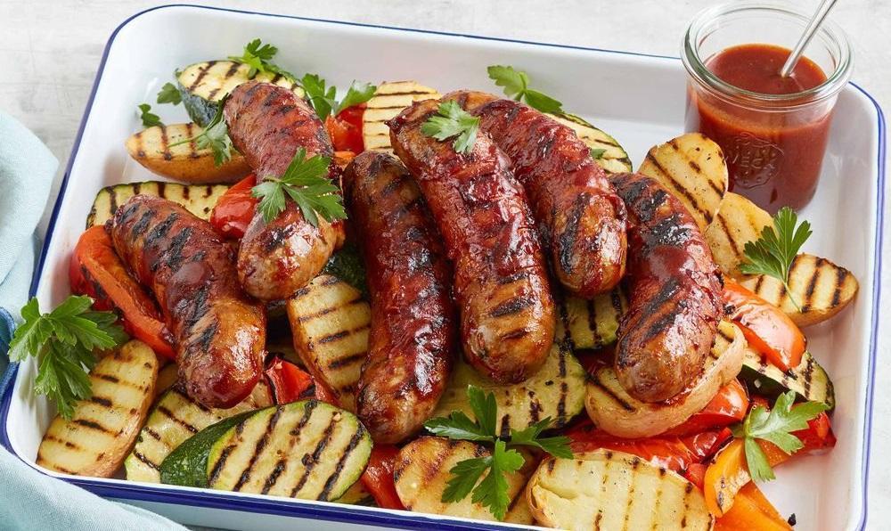 Сосиски-гриль с овощами