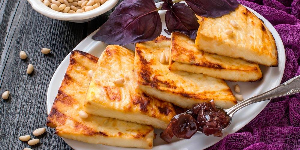 Жареный сыр на гриле