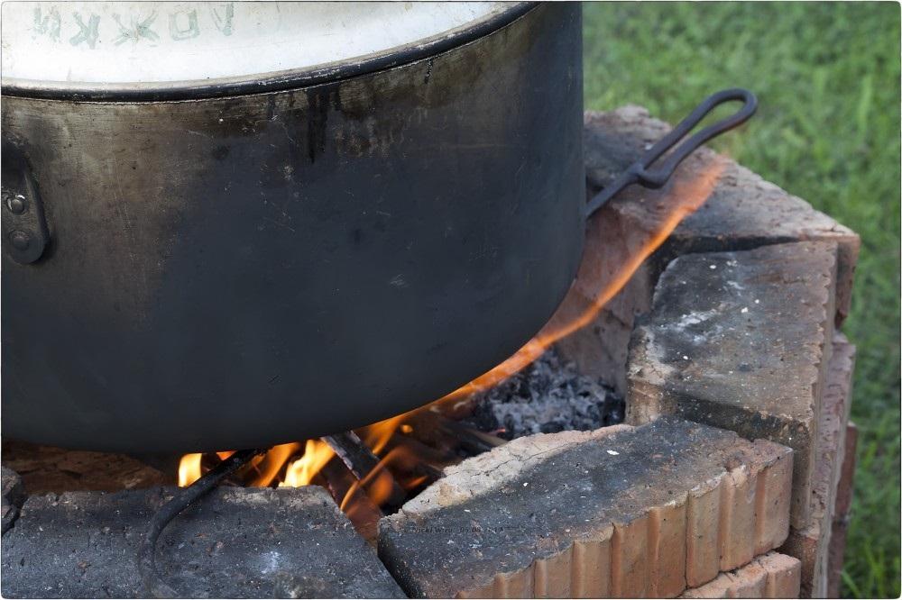 Кастрюля на огне