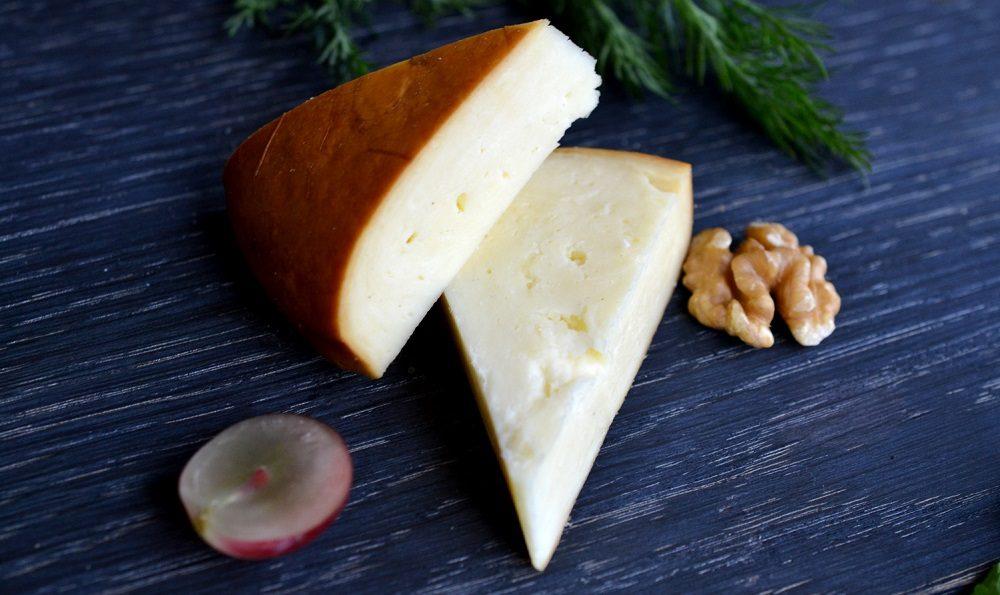 Копчёный сыр сулугуни