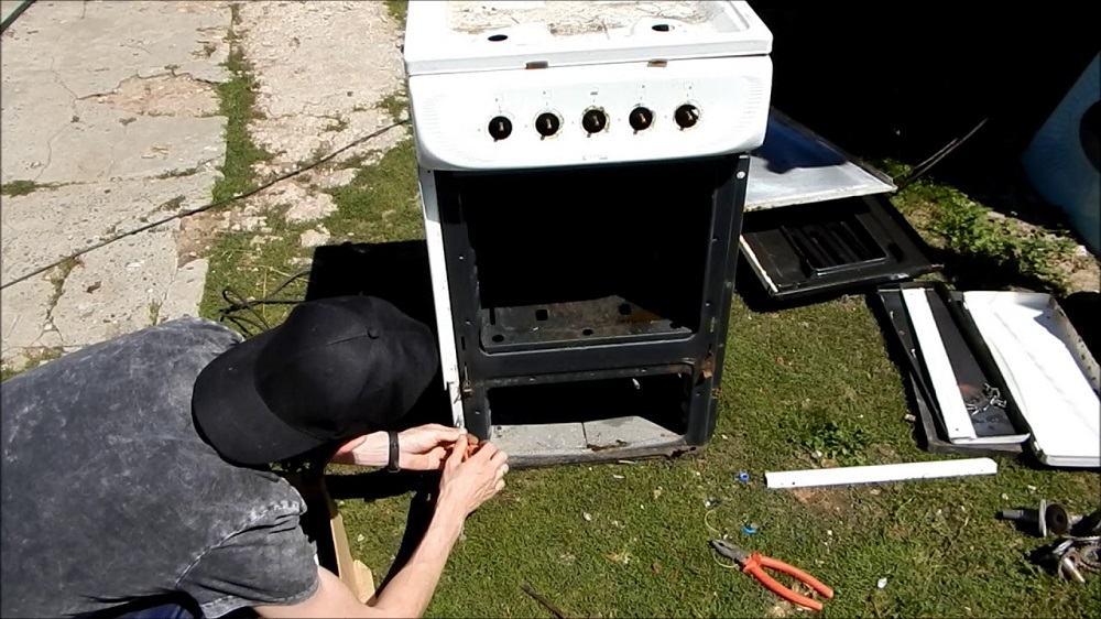 Разборка газовой плиты
