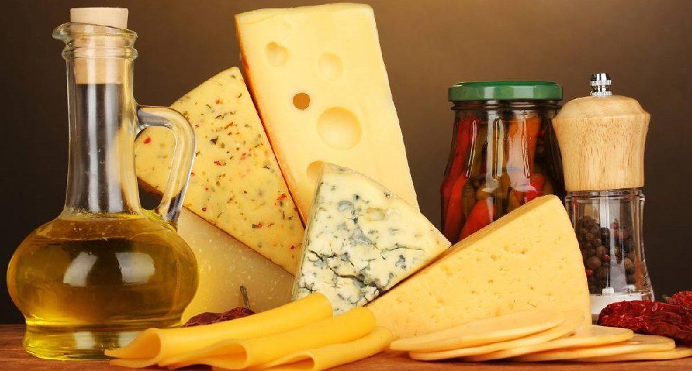Сыр и оливковое масло