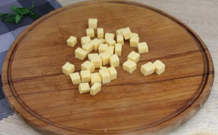 Сыр кубиками для салата