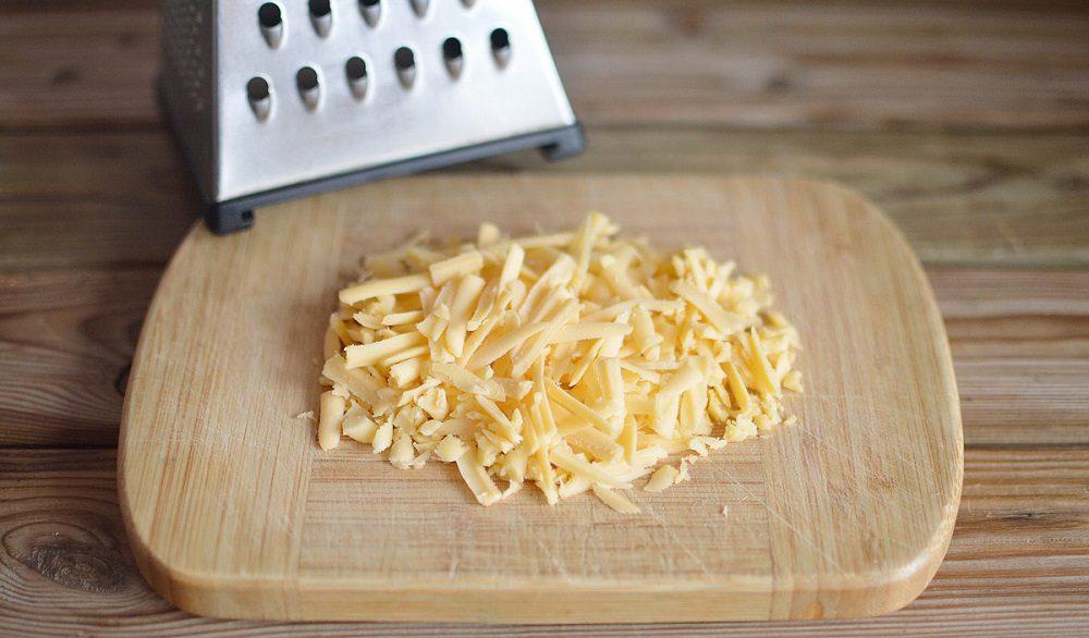 Сыр на крупной тёрке
