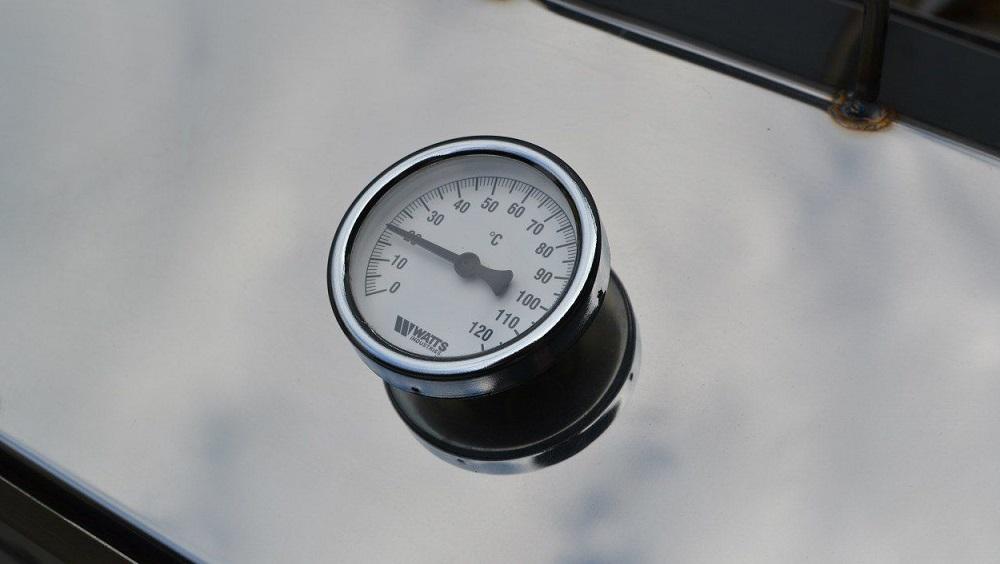 Термометр на коптильне