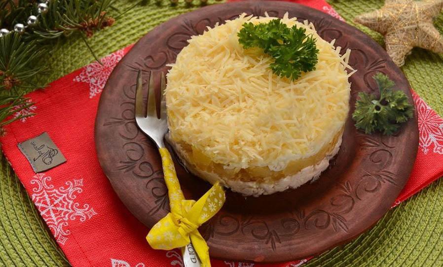 Буржуйский салат с ананасами