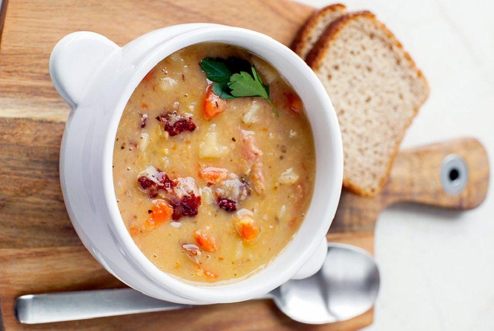 Гороховый суп с голенями