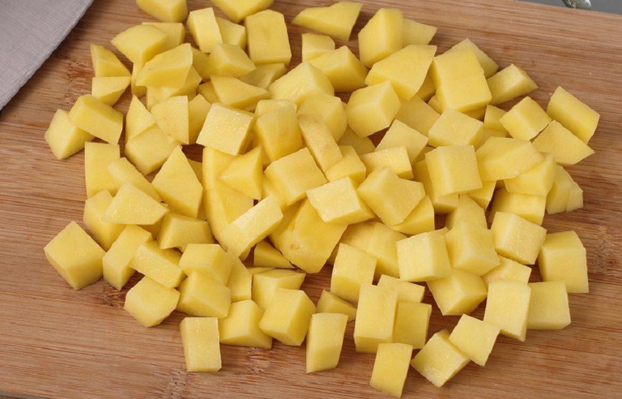 Картофель для солянки с сосисками