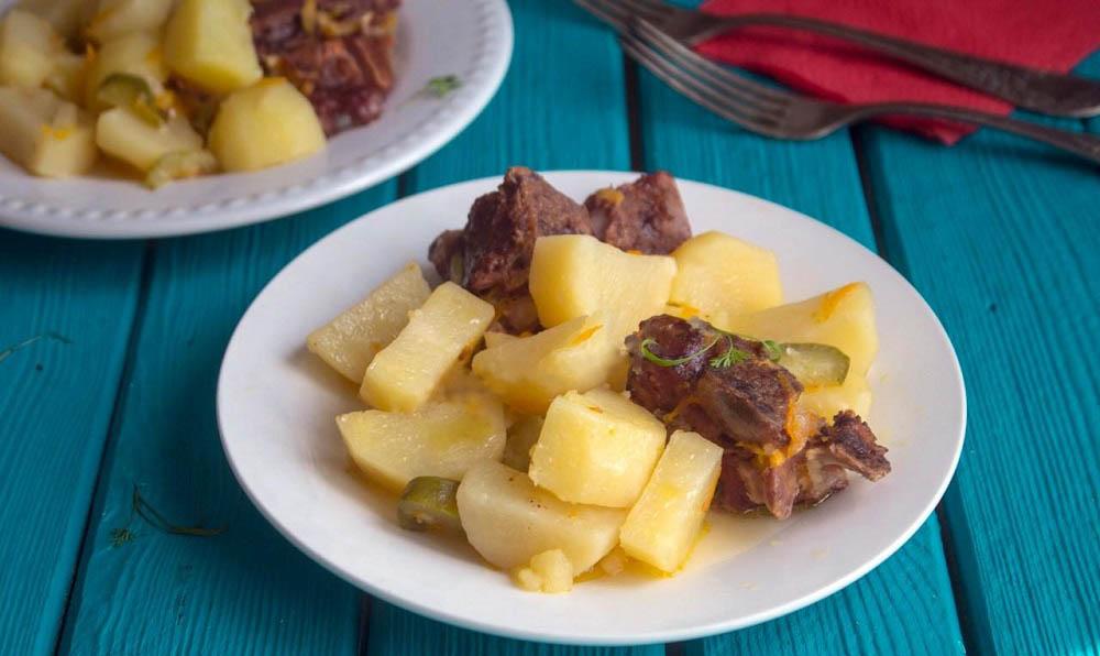 Картофель с рёбрами из мультиварки