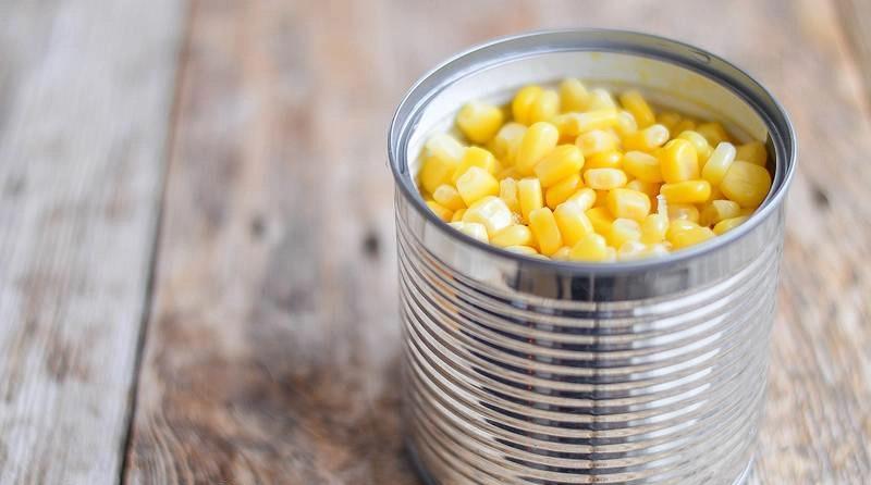 Консервированная кукуруза для салата с курицей