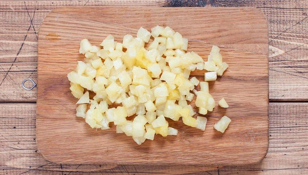 Консервированный ананас кубиками