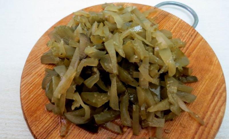 Маринованные огурцы для солянки с колбасой
