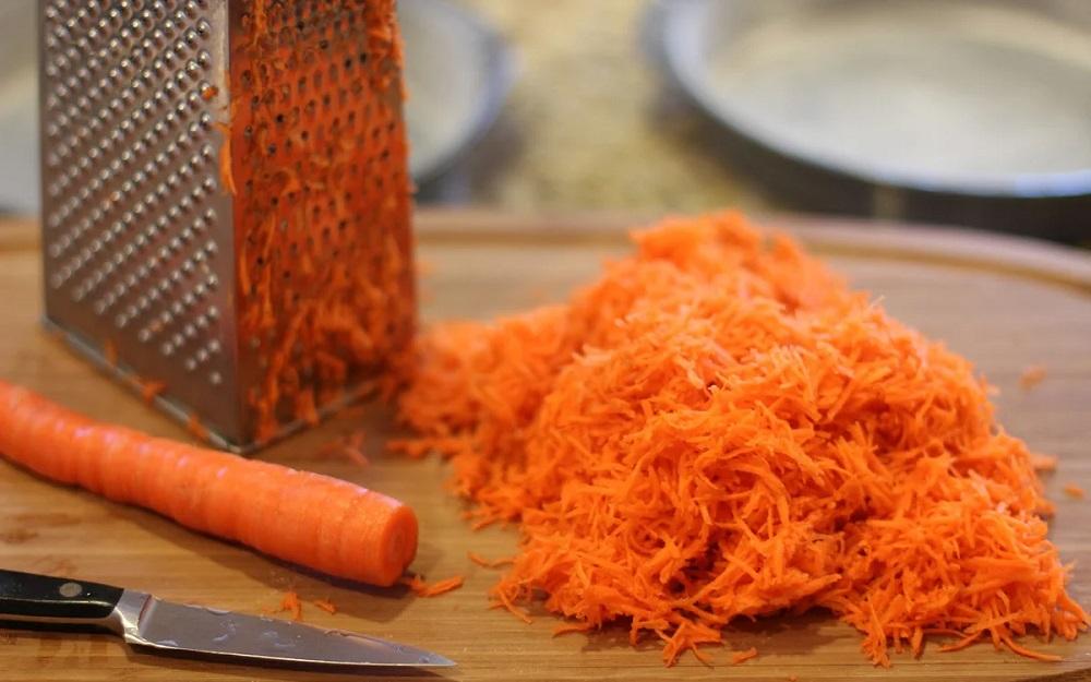 Морковь для супа с охотничьими колбасками