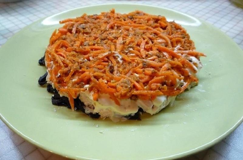 Морковь с орехами