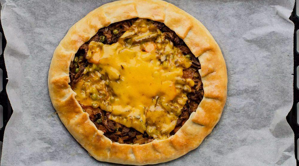 Пирог с горохом и мясом
