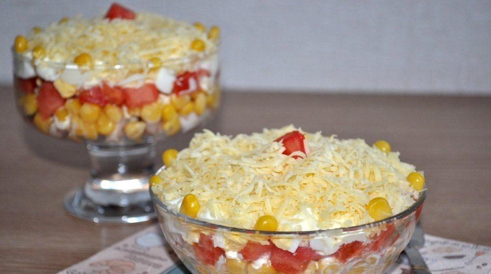 Салат «Восторг» с помидором