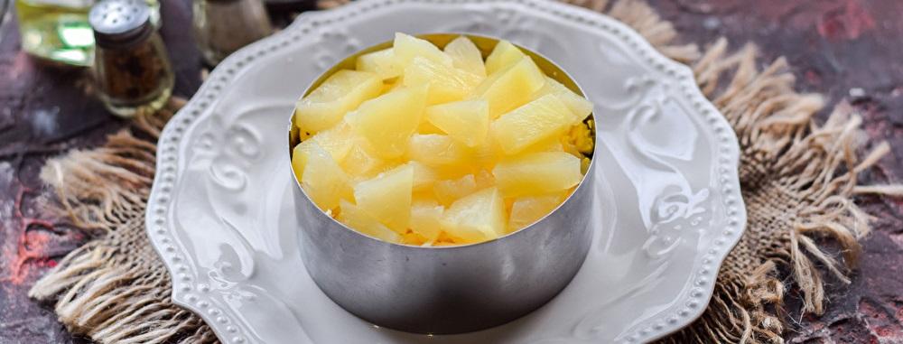 Слой из ананасов
