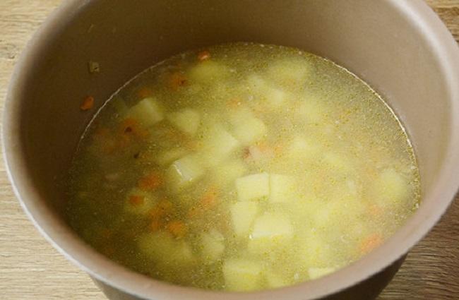 Суп с окорочком в мультиварке