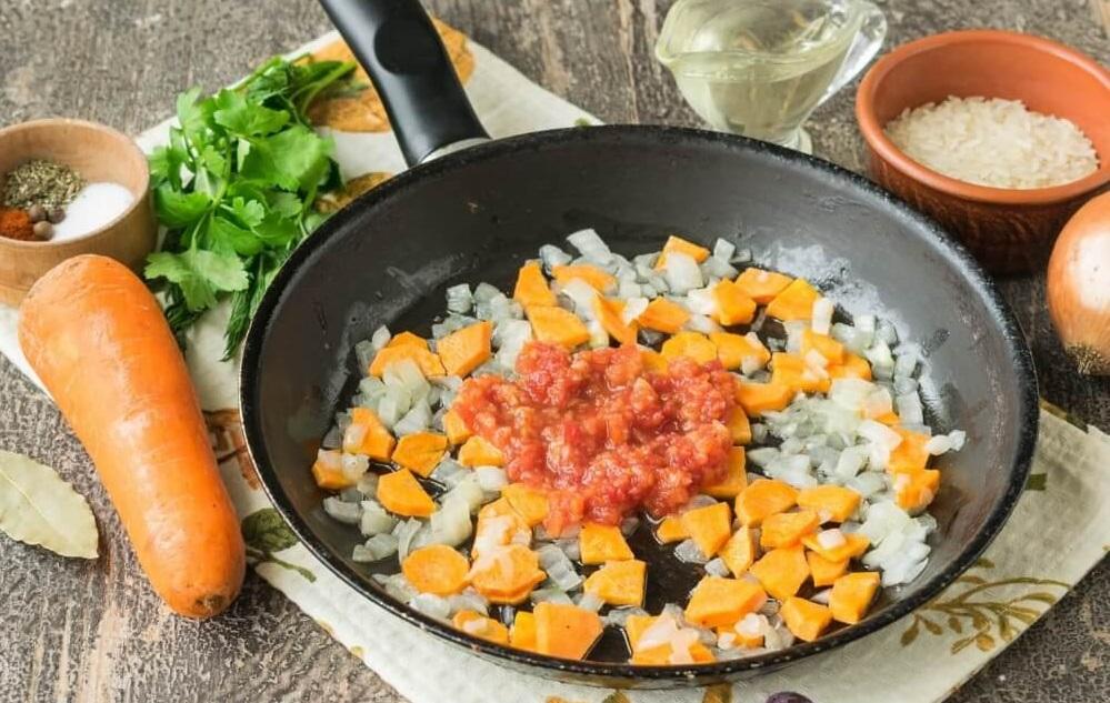 Зажарка для солянки с рисом