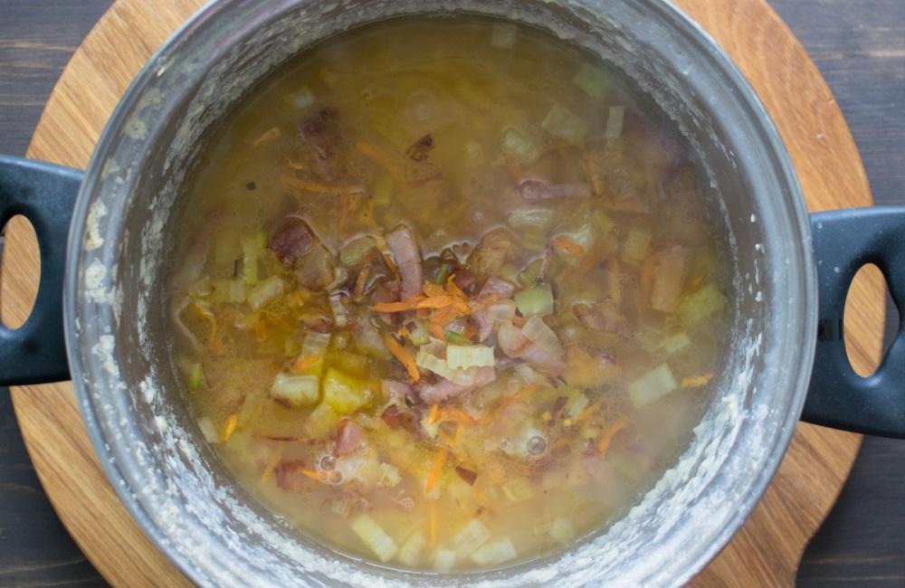 Зажарка в гороховом супе