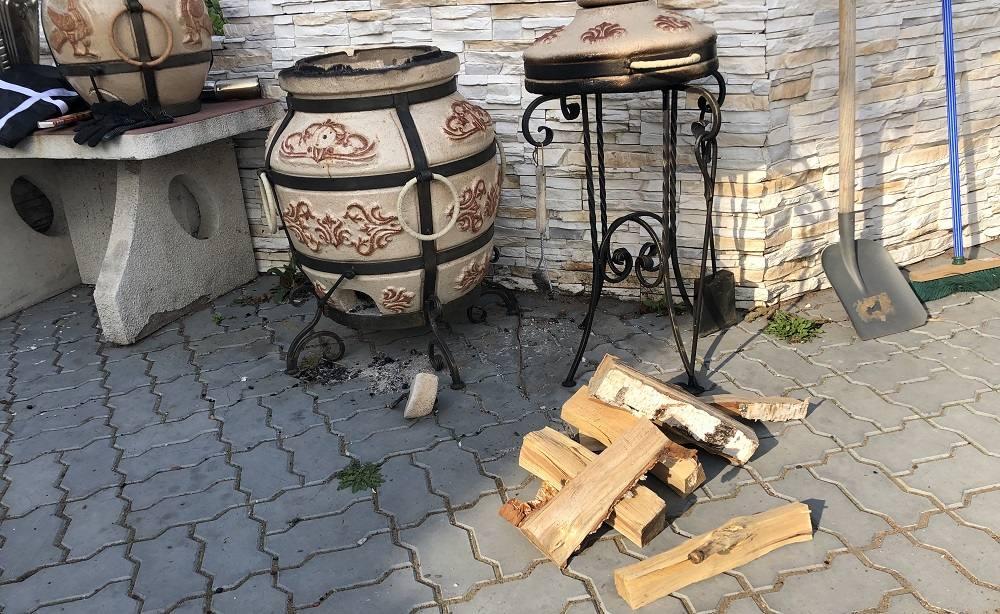 Тандыр и дрова