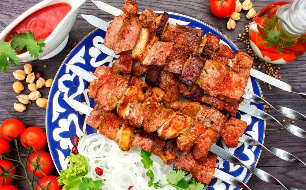 Готовый шашлык по-узбекски