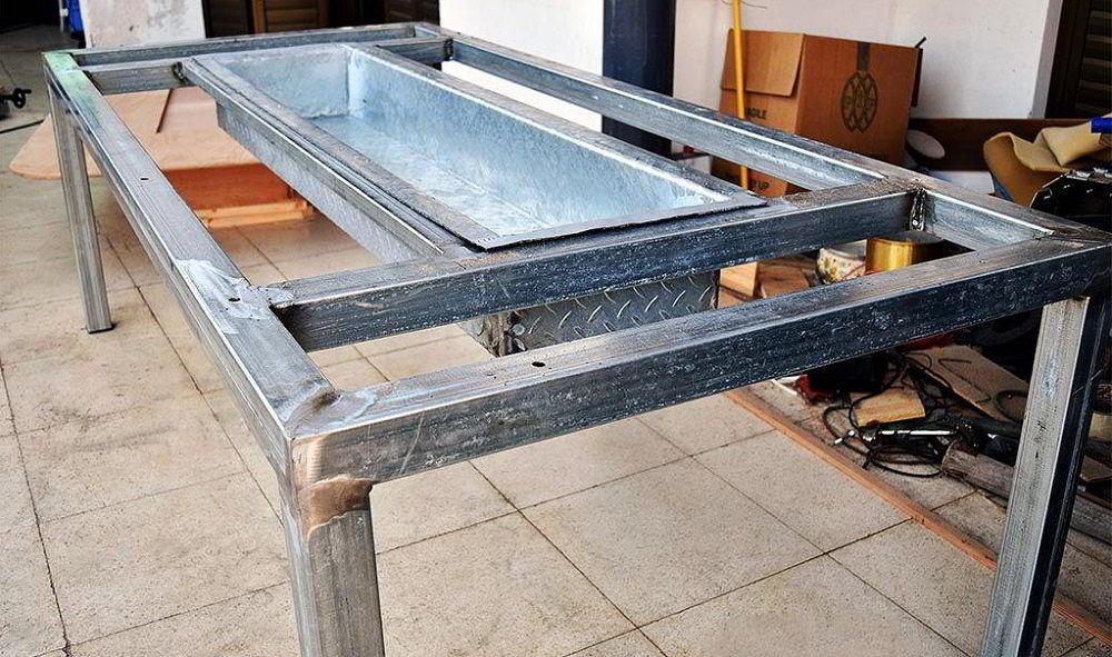 Металлический каркас стола