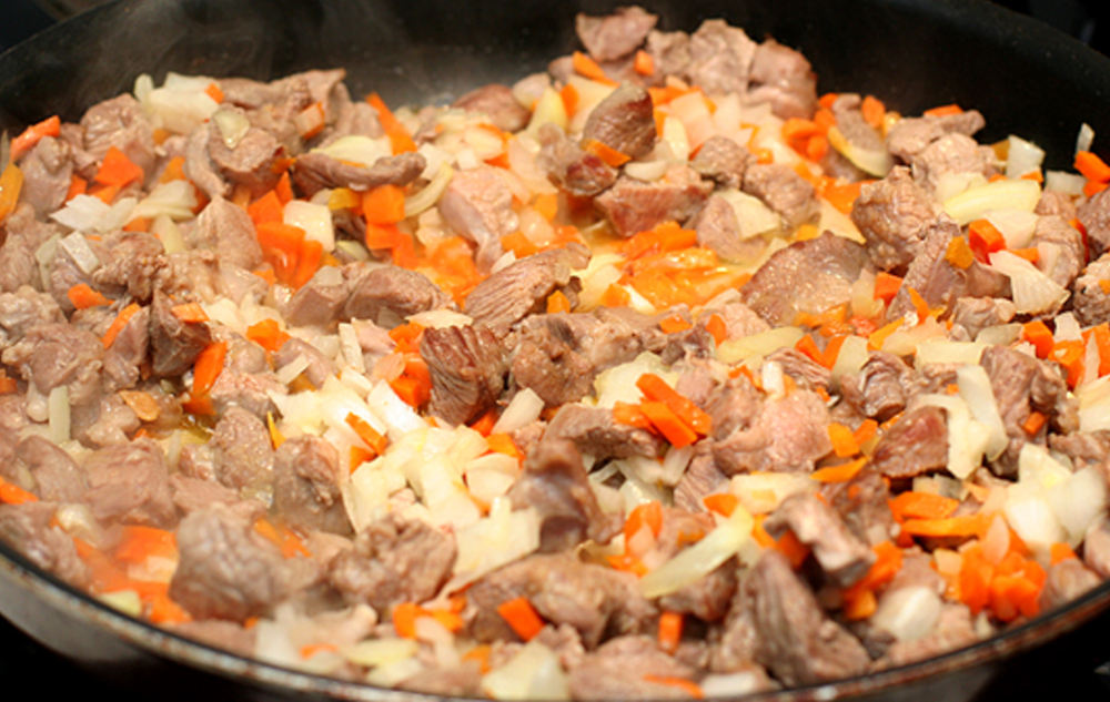 Лук, морковь, шашлык