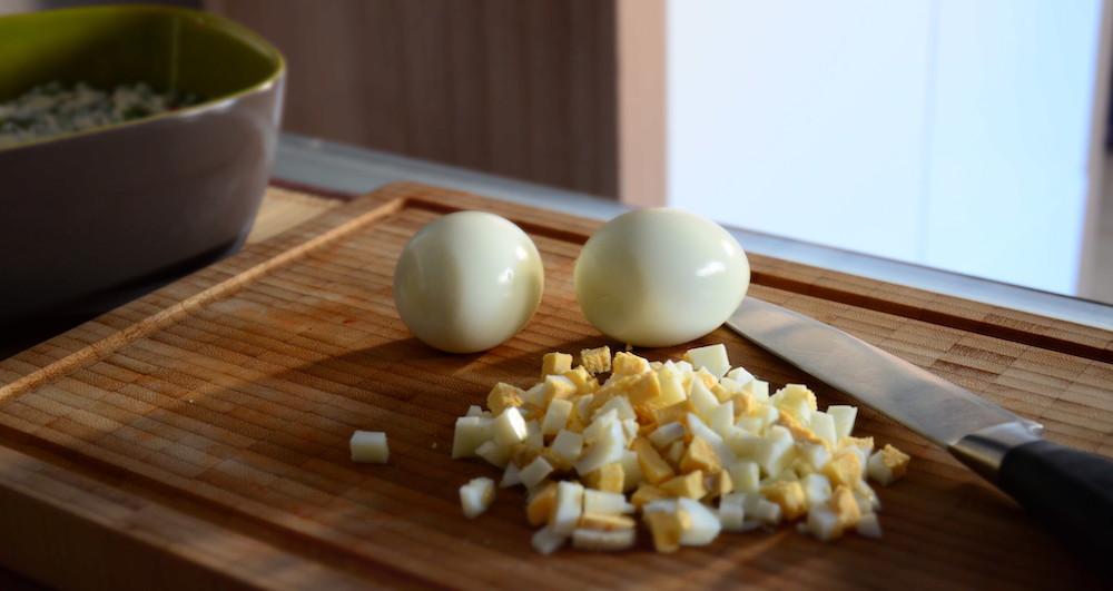 Яйцо на окрошку