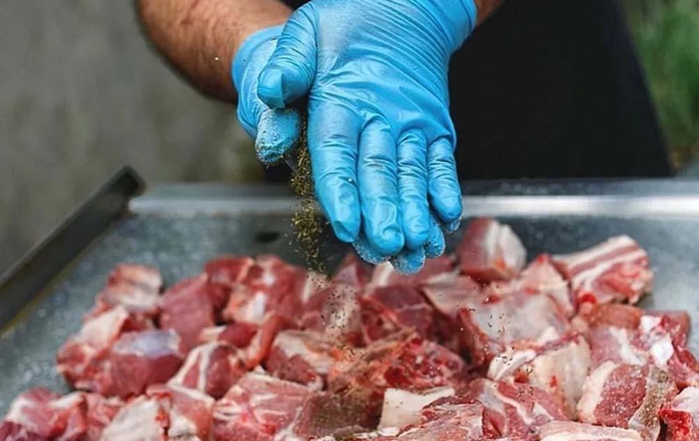 Мясо косули и специи