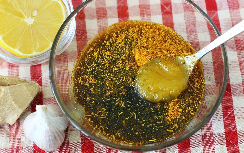 Мёд и соевый соус для шашлыка