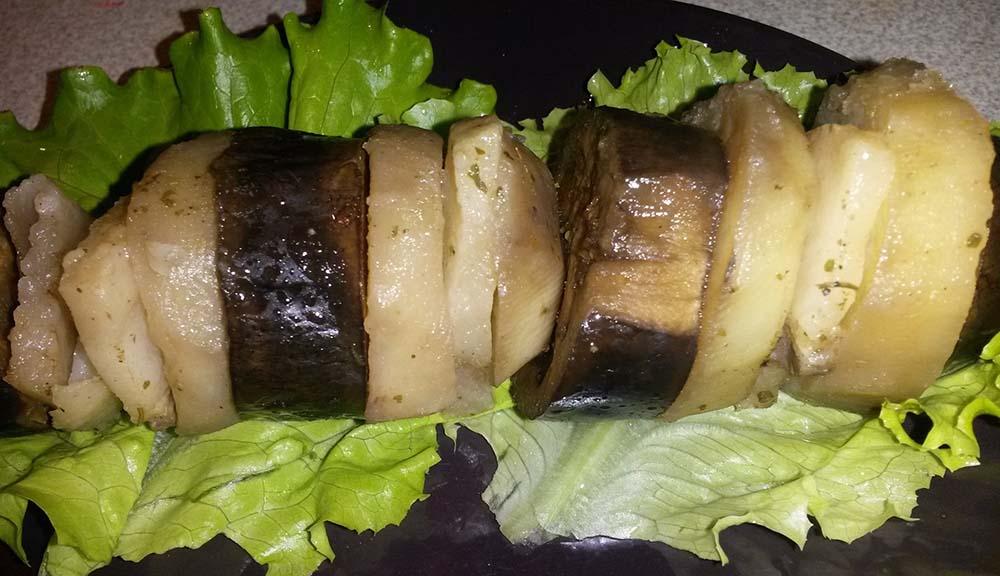 Баклажан, картошка и сало с мангала
