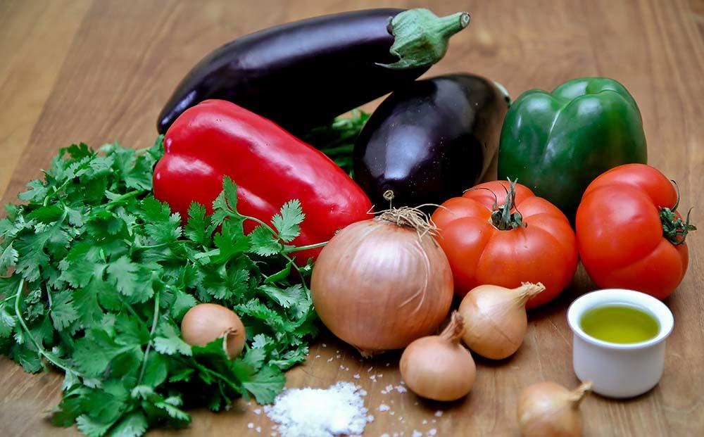 Баклажан, помидор, болгарский перец, лук