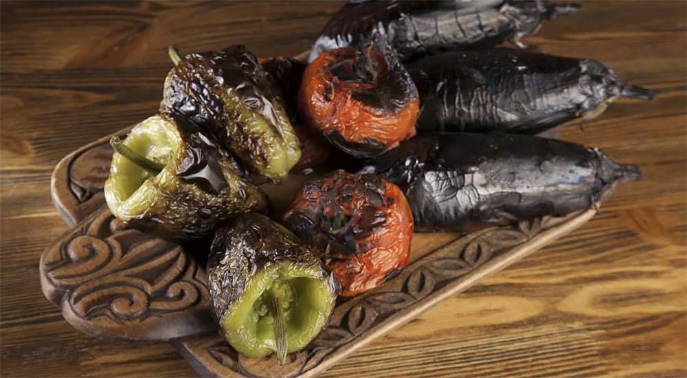 Перец, баклажан и помидор с мангала