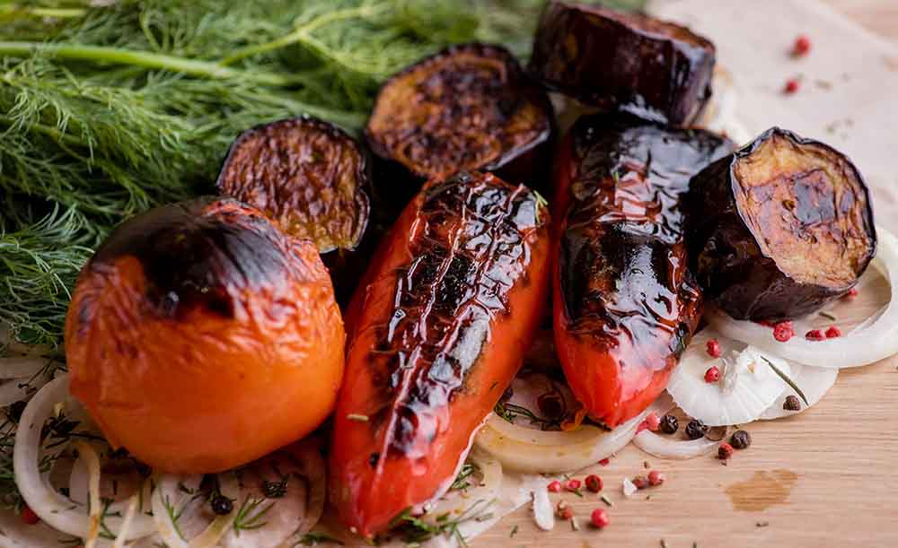Перец, помидор и баклажан