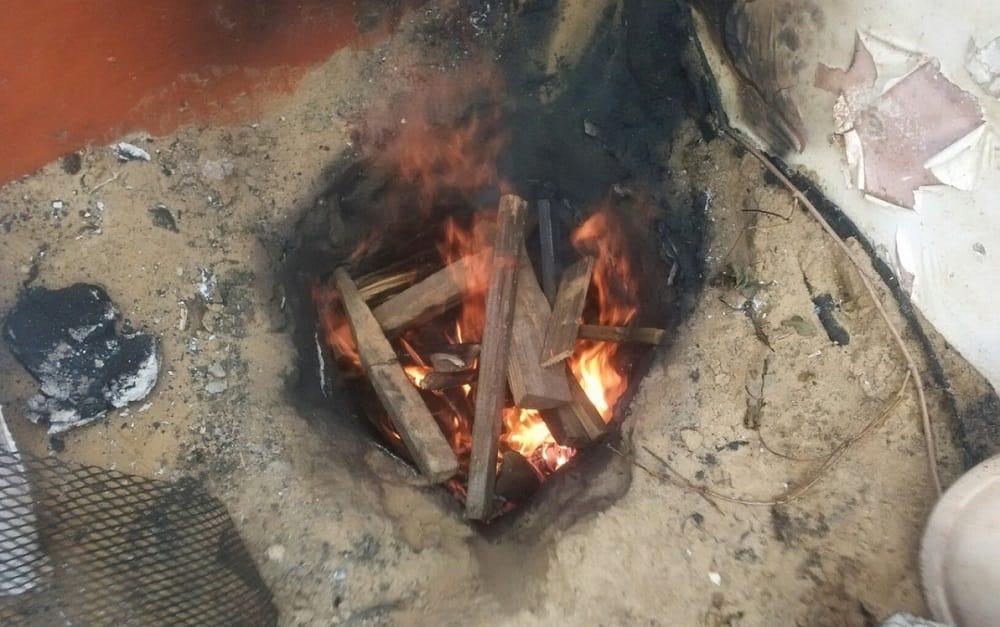 Полная горящая яма