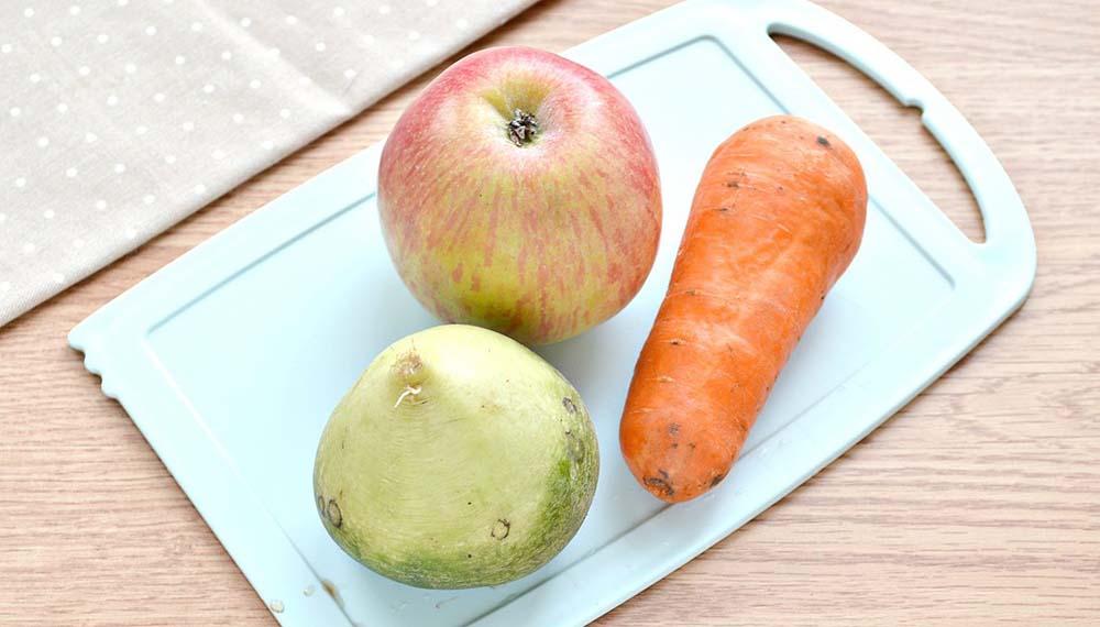 Редька, яблоко и морковь
