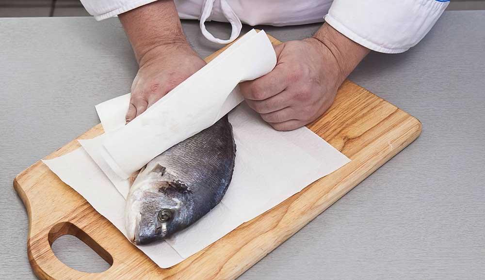 Рыба и салфетки