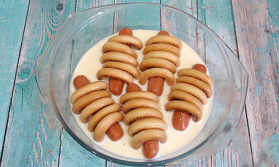 Сосиски в сушках в молоке