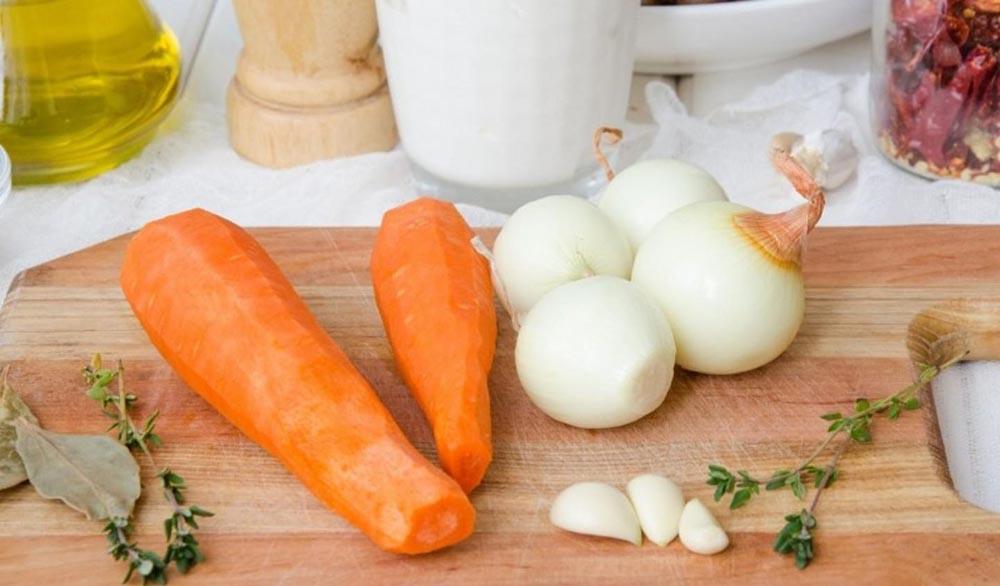 Морковь, лук и чеснок